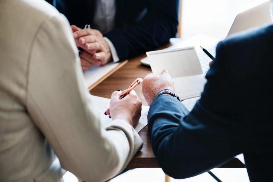 afdrage gæld eller fylde op i pensionsdepotet