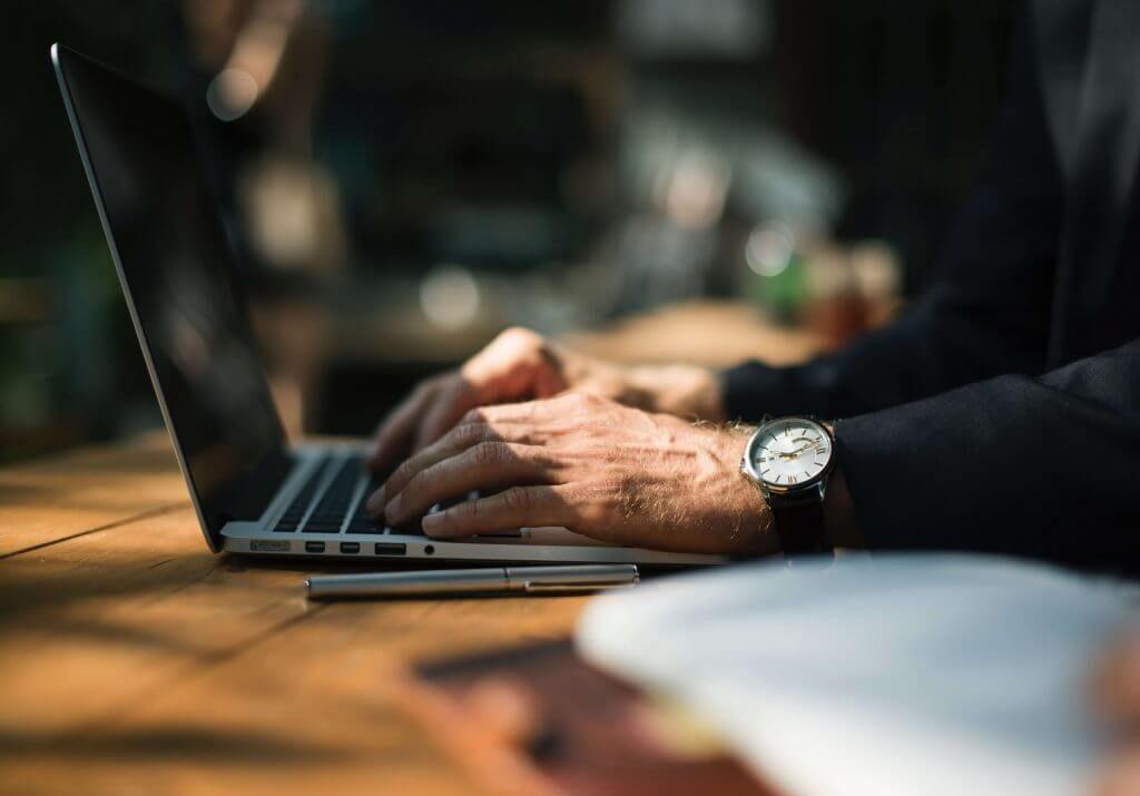 Flere finder vej til deres nye bank via en internetplatform