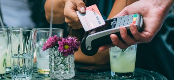 Hvilket betalingskort skal jeg vælge til ferie?